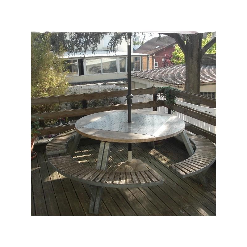 Ce salon de jardin se compose d\'une table ronde 1,45m et quatre bancs