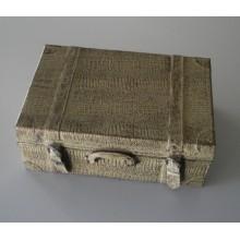 Rangement en forme de valise en croco